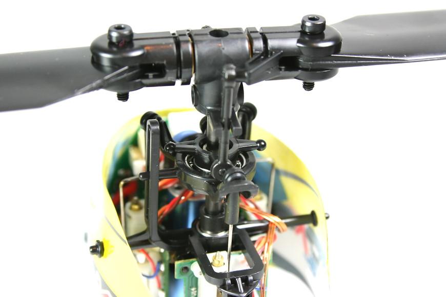 Blade mCPX BL - Blick von hinten auf den Hauptrotorkopf